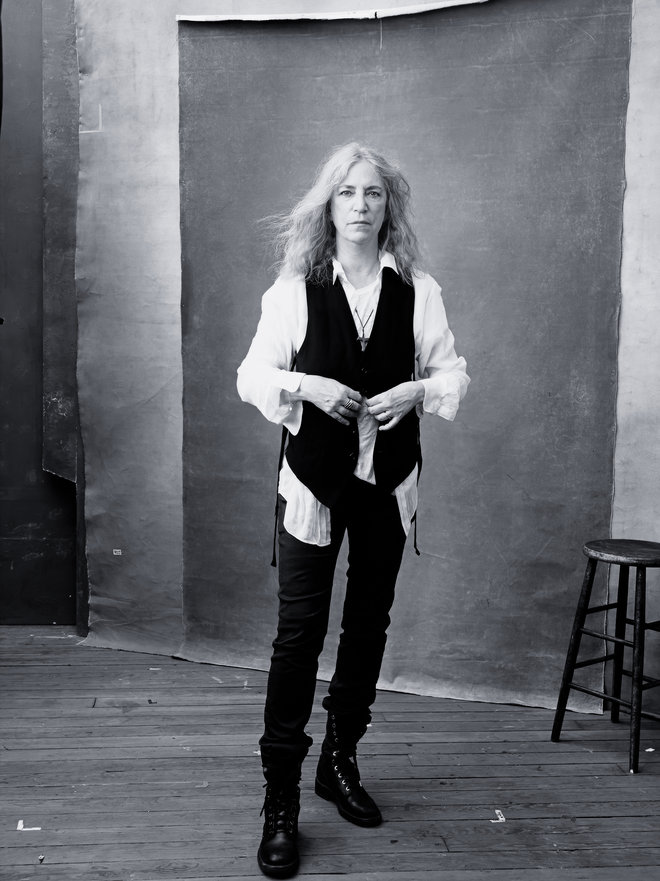 rsz_pirelli_calendar_2016_-_november_-_patti_smith